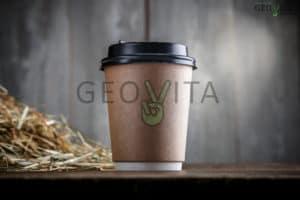 stakan-s-kryshkoi-dlja-kofe