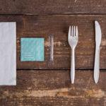 Набор одноразовых приборов 4/2 мал. белый «вилка/нож» + влажная салфетка