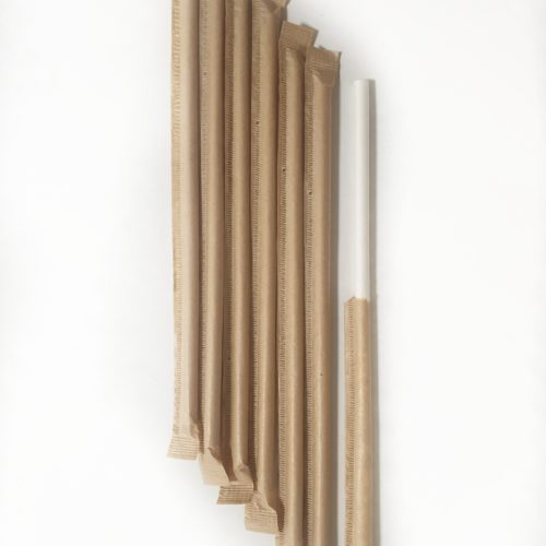 Белая бумажная трубочка в инд. упаковке крафт